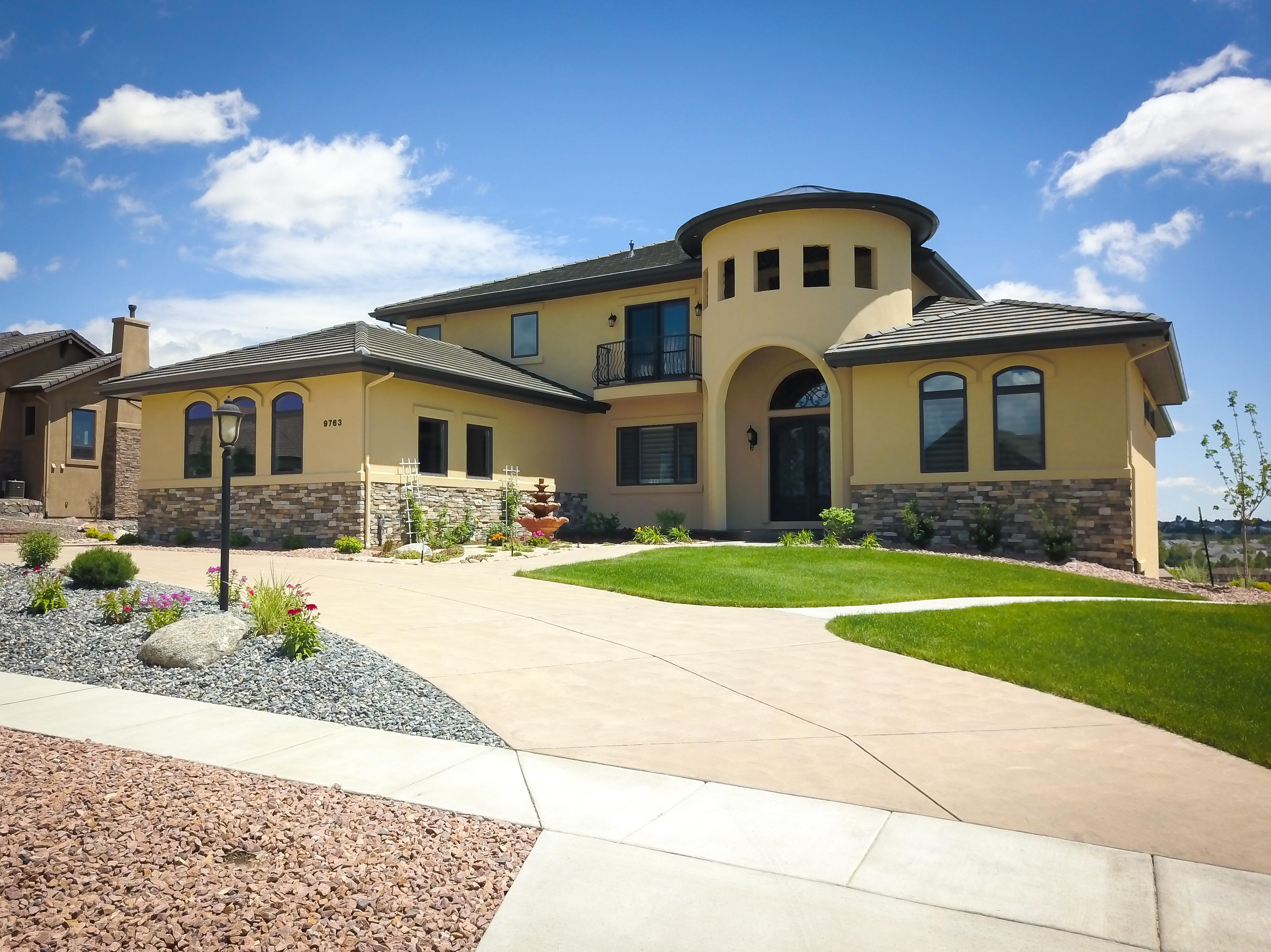 Custom homes colorado springs new home builders for Modern homes colorado springs